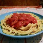 Fresh tomato sauce on pasta
