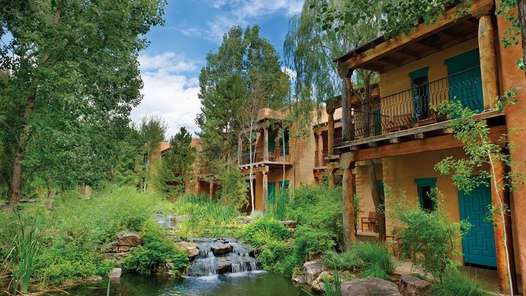 El Monte Sagrado is one of the best eco-lodges in the United States